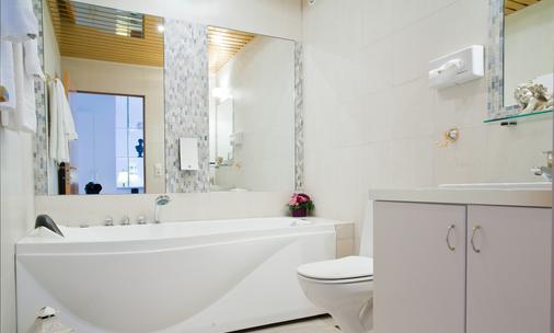 Hotel Keflavik - Keflavik - Bathroom