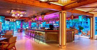 里曼阿卡海灘酒店 - 阿依納巴 - 阿依納帕 - 酒吧