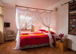 Q-Bar & Guest House - Dar es-Salaam - Sovrum