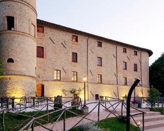 Castello di Baccaresca - Gubbio - Building