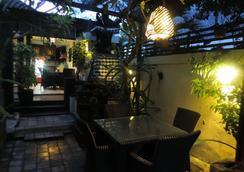 勒吉安賓館 - 雷根 - 登巴薩 - 餐廳