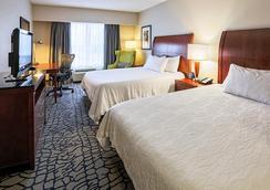 Hilton Garden Inn Louisville/Northeast - Louisville - Bedroom