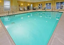 Hilton Garden Inn Louisville/Northeast - Louisville - Pool