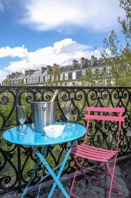 Avalon Hotel Paris Gare du Nord by Hiphophostels - Paris - Balcony