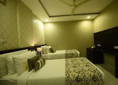 iStay Hotels Raipur Junction - Raipur - Bedroom
