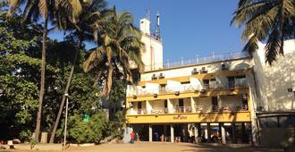 Hotel Royale Heritage - נשיק