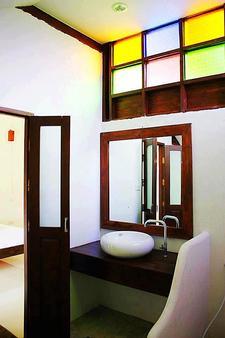 Huen Muang Pai Resort - Pai - Phòng tắm