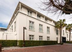 Queen Victoria Hotel - Cape Town - Building