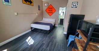 Desert Hills Motel - Las Vegas - Phòng ngủ