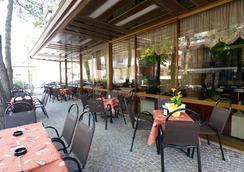 Trocadero - Riccione - Näkymät ulkona