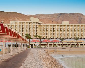 Herods Dead Sea - Ein Bokek - Building