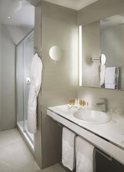 Hôtel Château Frontenac - Paris - Bathroom