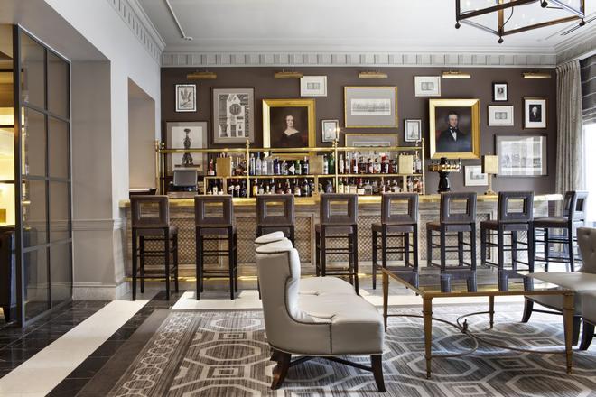The Madison Washington, DC a Hilton Hotel - Washington - Bar