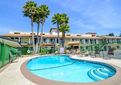 Bay Front Inn Santa Cruz - Santa Cruz - Pool