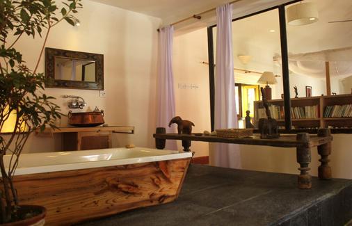 3 Rooms by Pauline - Kathmandu - Bathroom