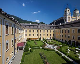 Schlosshotel Mondsee - Mondsee - Gebäude