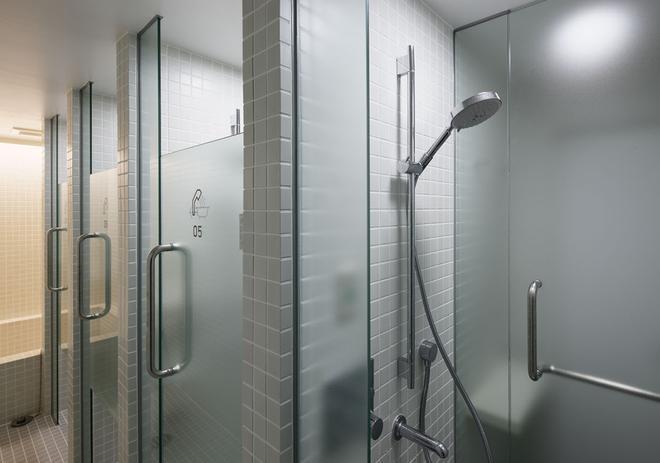 京都9小時膠囊旅館 - 京都 - 浴室
