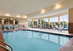 阿比林希爾頓花園酒店 - 阿比林 - 阿比林 - 游泳池