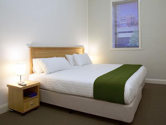 Hotel Sophia - Melbourne - Bedroom