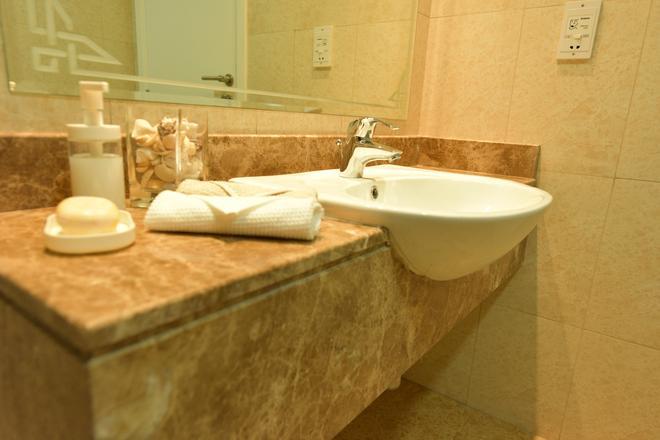Backpacker 16 - Dubai - Phòng tắm