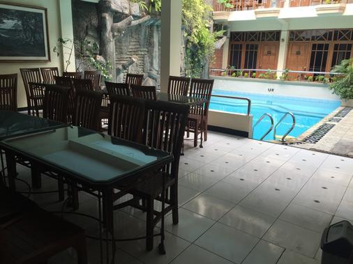 Cristalit Hotel - Yogyakarta - Restaurant