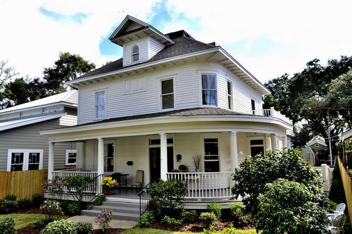 The Guest House at Gulfport Landing - Gulfport - Building