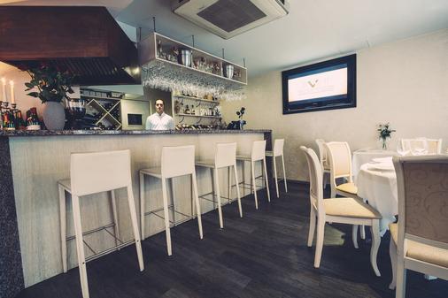 Amberton Cozy Hotel Kaunas - Kaunas - Bar
