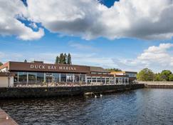 Duck Bay Hotel - Balloch - Toà nhà