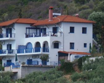 Sartivista - Sarti - Building