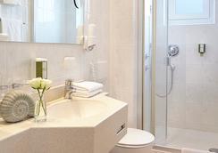 Hotel Ancora - Timmendorfer Strand - Bathroom