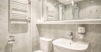 Sangate Hotel Airport - Warsaw - Bathroom