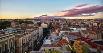 B&b Stesicoro Inhabit - City Center - Catania - Hotellinngang
