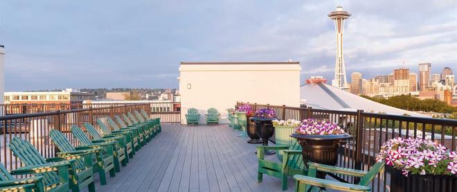 Mediterranean Inn - Seattle - Balcony