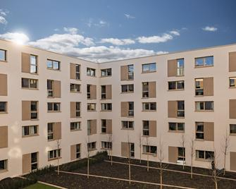 MASEVEN München Messe Dornach - Aschheim - Building