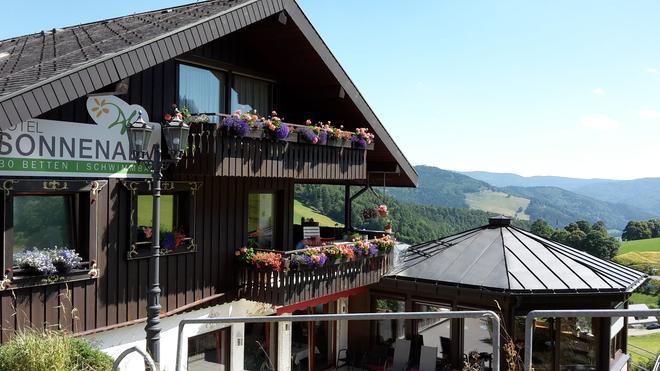Hotel Sonnenalm Hochschwarzwald - Todtnau - Outdoor view