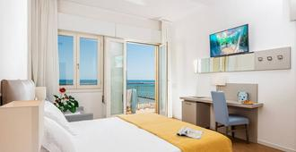 Hotel Astor - Jesolo - Schlafzimmer