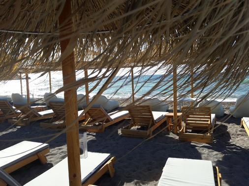 The Coast - Anaxos - Beach