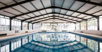 جران هوتل دون خوان ريزورت - يوريت دي مار - حوض السباحة