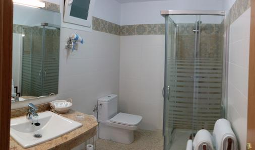 Hostal Enriqueta - Marbella - Bathroom