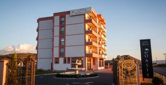 Hotel Oasis - Ποντγκόριτσα