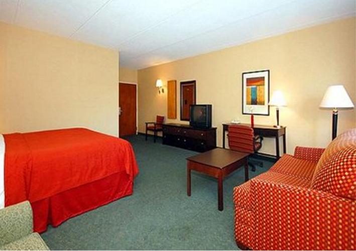 Quality Inn Suites Mall Of America Msp Airport Bloomington Bedroom