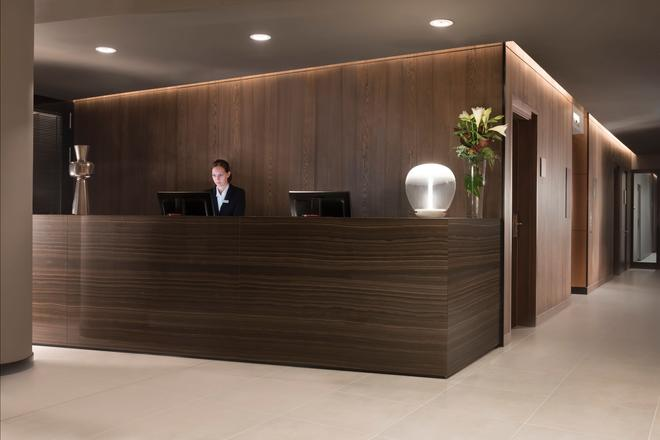 Adina Apartment Hotel Frankfurt Westend - Francoforte - Reception