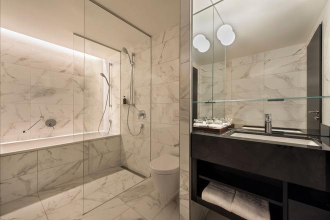 Adina Apartment Hotel Frankfurt Westend - Frankfurt am Main - Bathroom