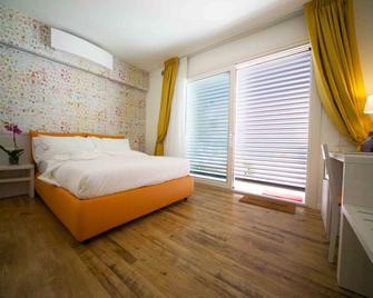 B&B Villa Pini - Near G7 - Civitanova Marche - Bedroom
