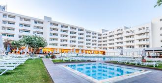Santa Eulalia Hotel & Spa - אלבופרה - בריכה