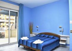 吉亞尼拉飯店 - 里米尼 - 臥室