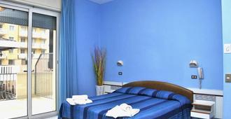 Hotel Giannella - Rimini - Phòng ngủ