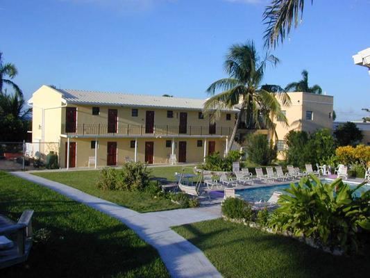 Orange Hill Beach Inn - Nasáu - Piscina
