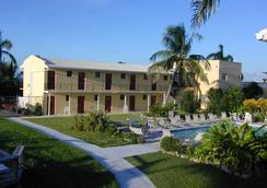 Orange Hill Beach Inn - Νασσάου - Πισίνα