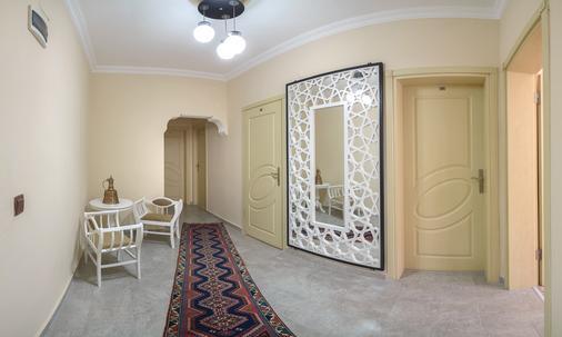 Özmen Pension - Antalya - Hallway